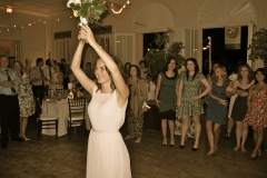 winter-park-womans-club-wedding-bouquet-toss